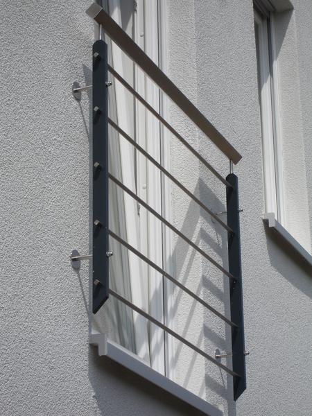 aluminium fenstergitter waagerecht preis auf anfrage. Black Bedroom Furniture Sets. Home Design Ideas