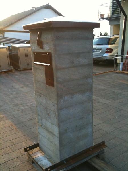 briefkasten aus cor ten stahl und beton preis auf anfrage metall kreativ ug shop. Black Bedroom Furniture Sets. Home Design Ideas