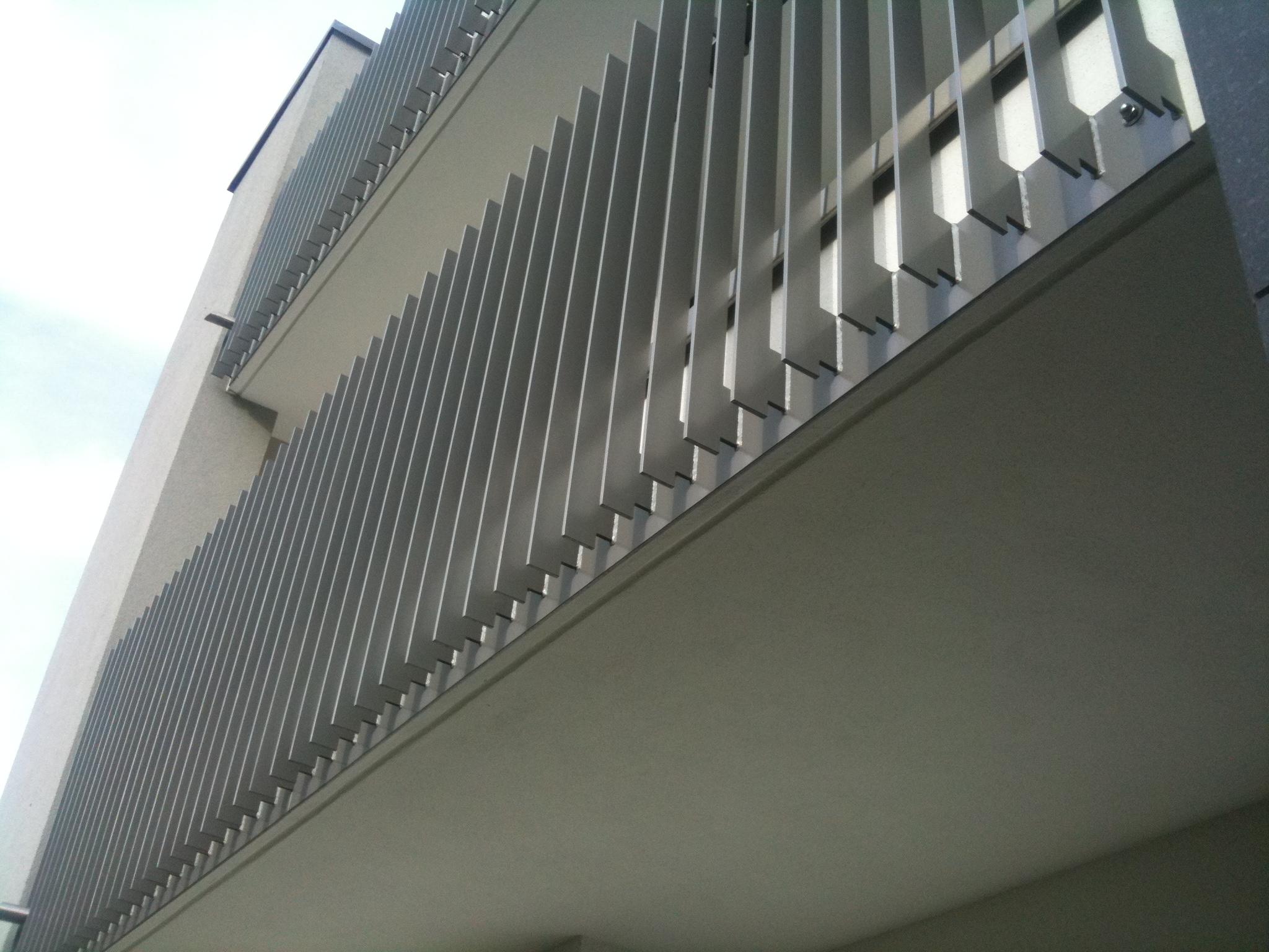 aluminium flachstahl gel nder preis auf anfrage metall kreativ ug shop. Black Bedroom Furniture Sets. Home Design Ideas